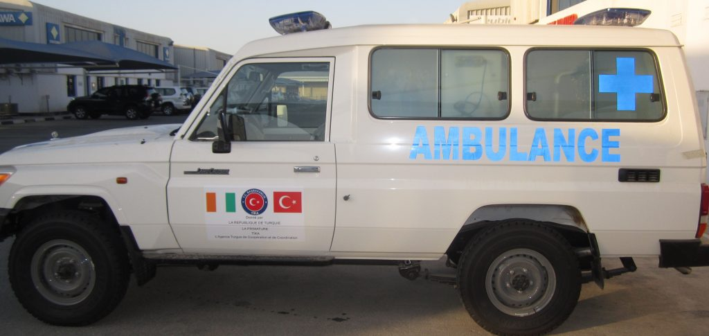 Land Cruiser 4x4 Ambulance2