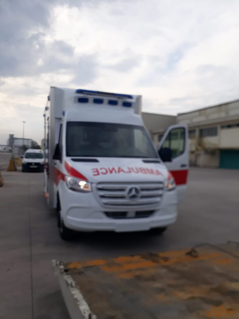 Mercedes Box Ambulance4.