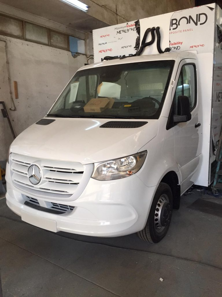 Mercedes Sprinter Box11